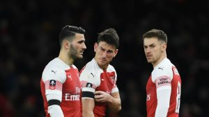Arsenal allay Koscielny fears, but suffer Sokratis blow