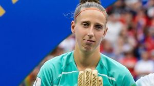 Sari van Veenendaal: Atletico Madrid sign ex-Arsenal Women goalkeeper