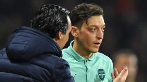 Arsenal decided as a whole to drop Ozil – Emery