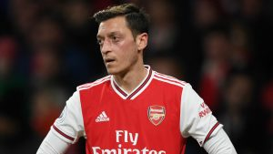 Ozil's agent reveals that midfielder intends to see out Arsenal deal
