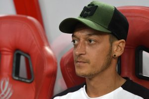 Mesut Ozil in talks with Arsenal to rip up contract with Fenerbahce 'ready to wait until end of window' for transfer